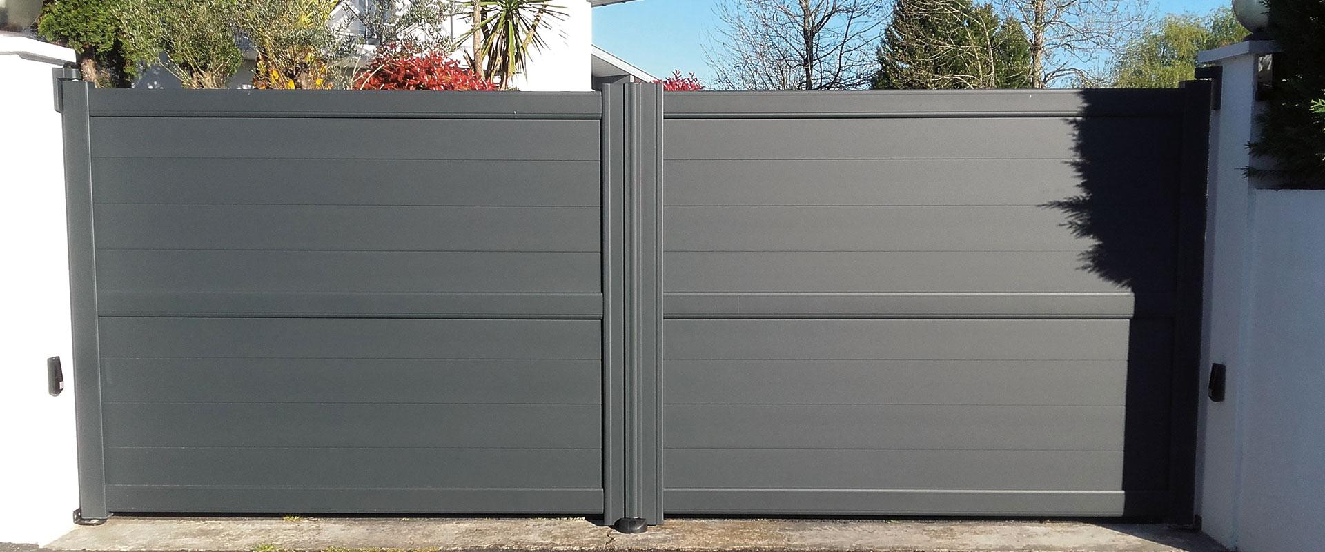 pose de portails aluminium battants dans les landes ez fermetures. Black Bedroom Furniture Sets. Home Design Ideas